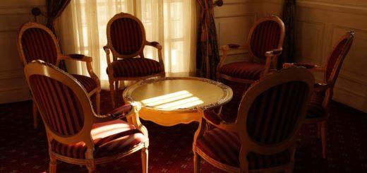 Interiérový nábytek